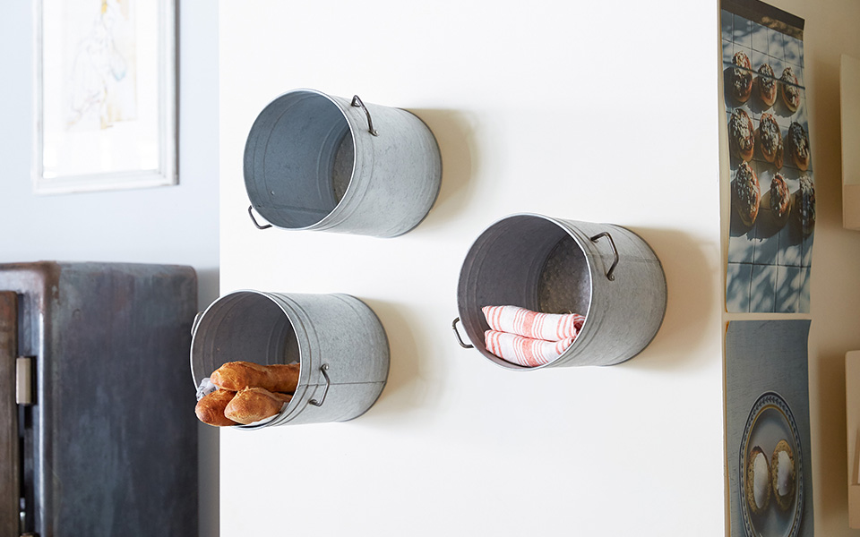 BUCKET SHELF